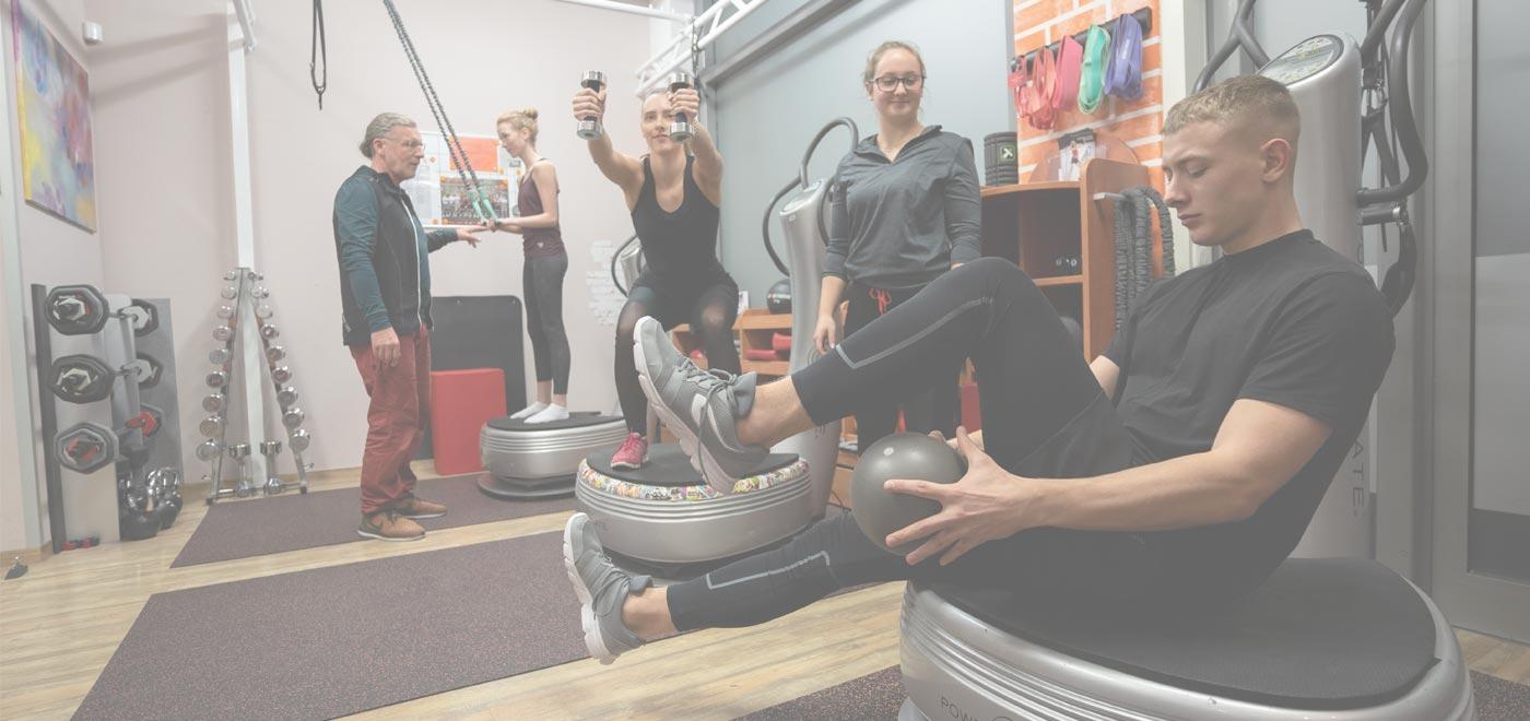 Trainingsstunde in Power Plate Fitnessstudio